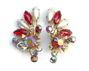 Beautiful Vintage Ruby Red Rhinestone Spray Climber Clip Earrings Aurora Borealis Gold Tone Setting