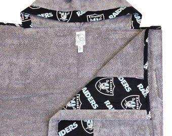 Raiders Hooded Towel Gray Black