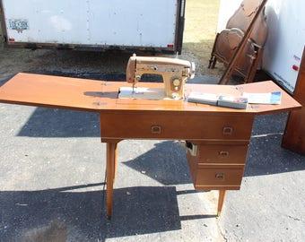 Vintage Mid-Century Western Zig-Zag Sewing Machine in Cabinet