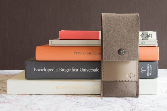Felt and leather PEN HOLDER, sunglasses case, pencil case, taupe, grey, wool felt, handmade, made in Italy