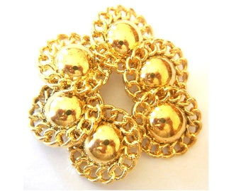 Buttons, 6 Vintage flower buttons gold color 30mm shank buttons