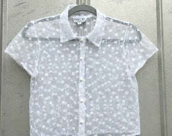 90's White Eyelet Crop Button Up Top