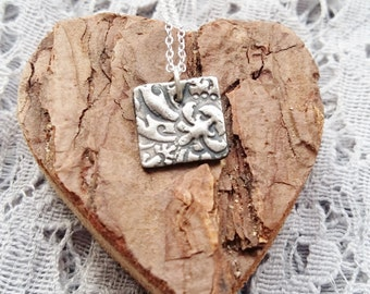 Damask Necklace