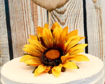 Customized Wooden Heart / Wooden Heart Cake Topper / Burned Initials / Wedding Cake Topper/ Rustic Wedding Cake Decor /