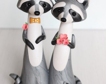 Raccoon Wedding Cake Topper - personalized cake topper and keepsake - figurine by Heartmade Cottage