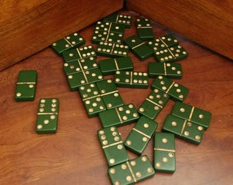Vintage Green Dominos, Green Bakelite 28 pieces Boxed FULL SET NICE, Game Pieces, Jewelry Supplies