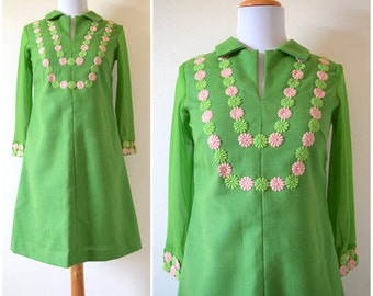 Vintage 60s Lime Green Sheer Sleeved Shift Dress (size xs, small)