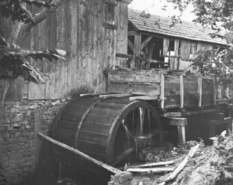 MEDIA, PA - Old Grist Mill in 1900 - Vintage Photo Print, Ready to Frame!