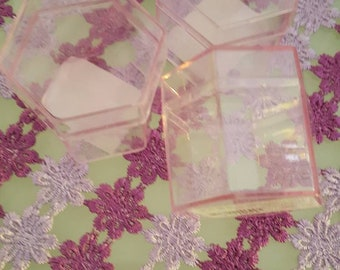 5 octagonal pink plastic boxes transparent door confetti