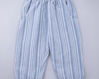 Girls Cropped Jogger Pants in Striped blue fabric