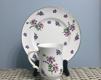 Set of 5 Cups and Plates Royal Victoria