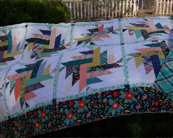 Dahlia patchwork, precut layer cake, quilt pattern throw size