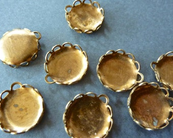 Vintage Brass Round Bezel Cups with filigree edges for 13mm Flat Back Cabochons (10)