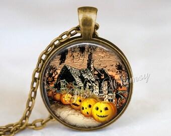 HALLOWEEN Necklace, Halloween Pendant, Pumpkin Necklace, Pumpkin Jewelry,  Jack O Lantern, Halloween Keychain, Haunted House, Vintage JOL
