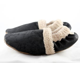Women's slippers with soles | Warm slippers women | House shoes for women | Slippers unisex | Gift for her | Gift for women | Black oatmeal