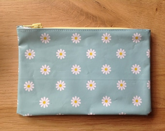 Pouch Mint with flowers