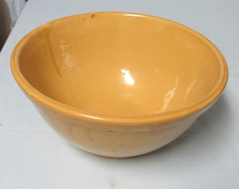 1920's Bauer Pottery Los Angeles California Plain ware Bowl Yellow Glaze Bowl #9