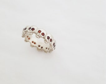 Georgian / Baroque Style Custom Skull Eternity Band w/ GARNETS - Memento Mori - Wedding Band - Mourning Jewelry - Stacking Ring