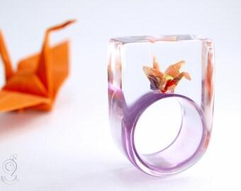 Aleteando suerte - origami único anillo de la grúa con incluso doblado mini grúa de papel de color lilanem aro en resina del molde