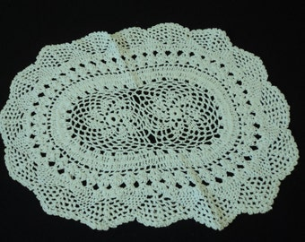 Vintage French hand crochet white cotton doily (02724)