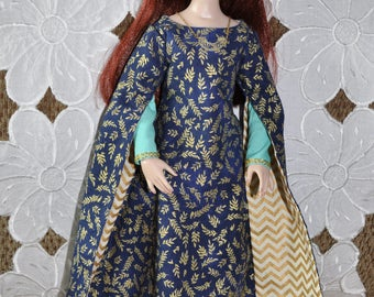 """Keziah - A Medieval Gown pattern set for Ellowyne Wilde and other similar 16"""" dolls"""