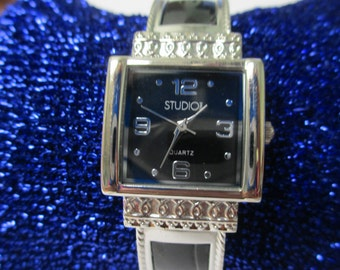 "Vintage lady's watch ""Studio "" Quartz Genuine leather cuff  used watch"