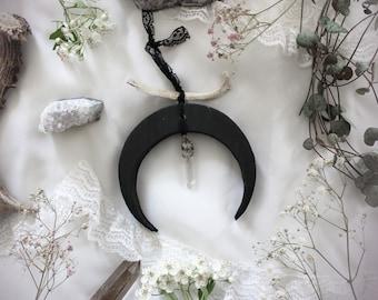 Hécate . Bone & Quartz .wood crescent moon, hedgehog rib, quartz and lace decoration pagan witchcraft boho magic .