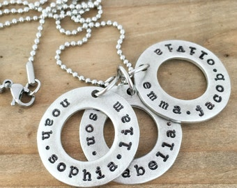 Mom Necklace with Kids Names, Personalized Three Washer Family Necklace, Circles of Love Gift for Her Mom or Grandma, Custom Jewelry.
