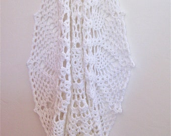 White Doily Blanket in Crochet