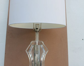 Vintage Sculptural Lucite Table Lamp .