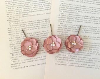 ROSE GOLD Flower Hair Pins.Rose Gold Hair PIn Set. Rose Gold Bobby Pins.Rose Gold Bridal Headpiece.Set of 3.rosegold bridal hair pins.small