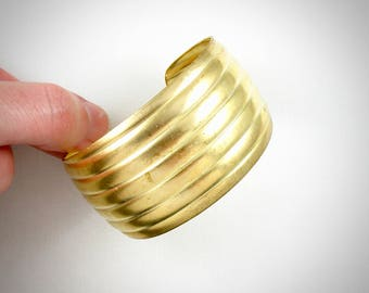 Large raw brass BRACELET cuff. Ribbed design. 1.5 inches wide (T201)
