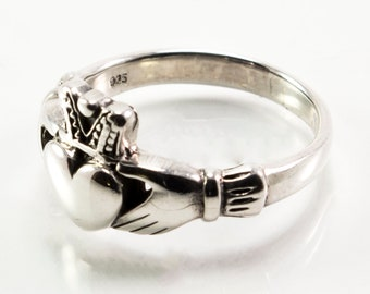 Plain Silver Claddagh Ring