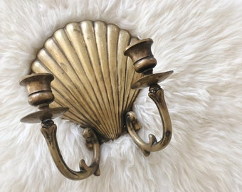 vintage brass wall sconce sea shell candlestick double arm wall sconce, Hollywood Regency style candle holder, brass seashell scalloped