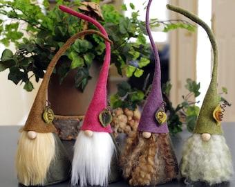 Nains de jardin, Prairie Gnome nordique, CIMMI, Gnomes, Gnomes scandinaves, maison Gnome, elfe, elfes, Pâques, bois, forêt, cadeaux de Gnome, rose violet