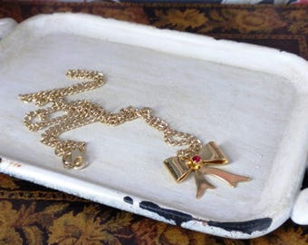 Vintage 1980's Bow Pendant w/Red Stone & Chain Necklace