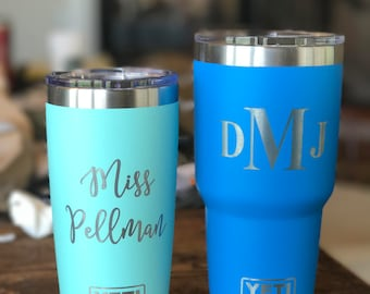 10oz, 14oz, 20oz, 26oz and 30oz Custom Engraved YETI, Vacuum Sealed Tumblers w/ Clear Lid, Personalized Travel Mug, Engraved YETI Cups