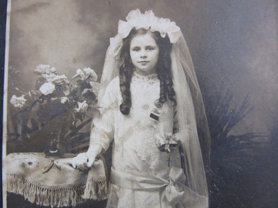 Antique Photograph Victorian Young Girl First Communion 1800s