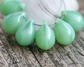 Jade Green Teardrops, Large czech glass drops, Briolettes, green raindrop - 10x14mm - 6Pc - 0024