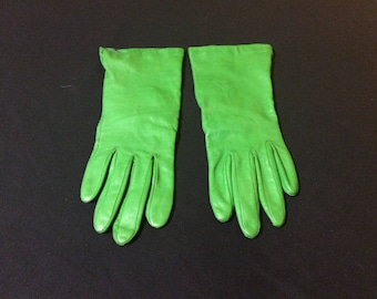 Vintage Ladies Leather Gloves with Silk Lining (size 6 1/2)