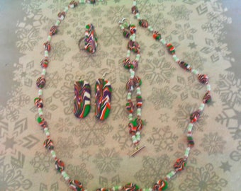 set (necklace, bracelet, ring and earrings) original, unique (purple, white, green and red)