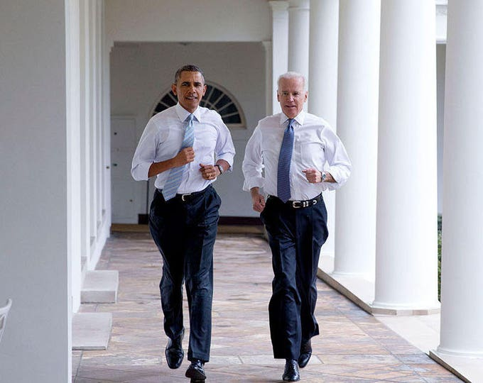 "President Barack Obama & Vice President Joe Biden Run Along White House Colonnade for a ""Let's Move!"" Taping - 5X7 or 8X10 Photo (ZY-546)"