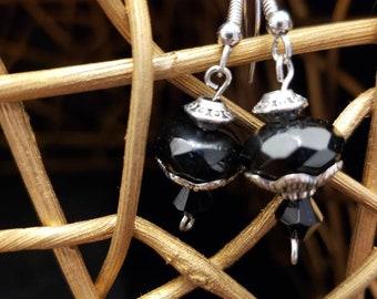 Silver cuffed onyx drops