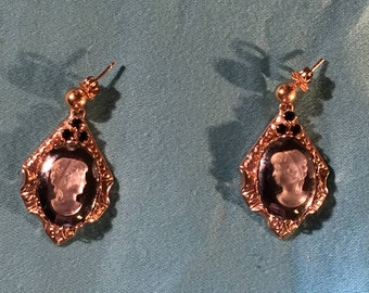Golden Earrings w/a White on Gray Cameo and 3 Black Crystals per Earring