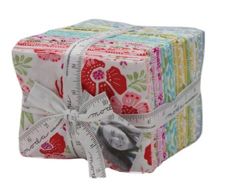 Bungalow Fat Quarter Bundle Kate Spain from Moda Fabrics, 30 Fat Quarters  Complete Collection Pineapple Floral Fabric