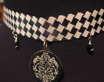 Striking Black and White Ribbon choker