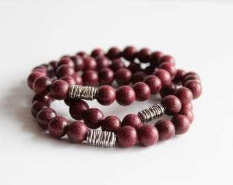 8mm Violet wood beaded bracelet with silver accent bead