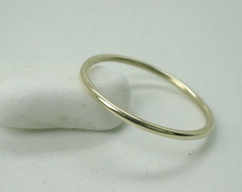 1mm Round 14K Yellow Gold  Wedding Band Stacking Ring