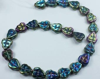 25 Iris Green Czech Glass Leaf Leaves Beads 8x10mm