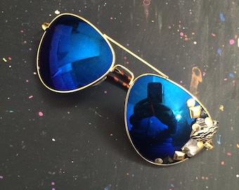 Embellished Aviator Sunglasses.